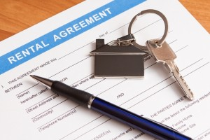 stockfresh_2292069_rental-agreement-form_sizeS-300x200